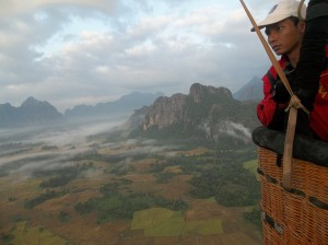 Ballon over Laos, a Lao adventure in the air